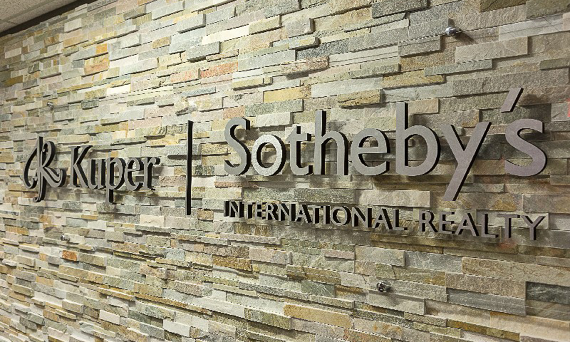 Office Kuper Sotheby's International Realty Photo