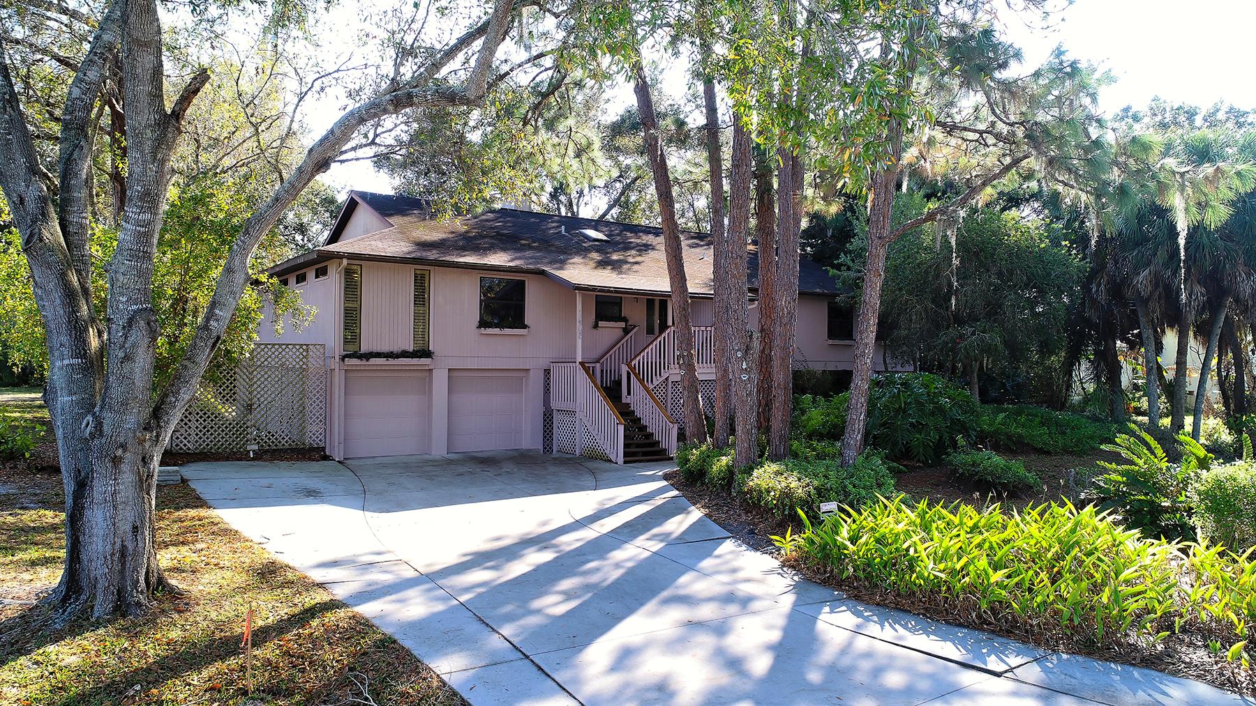 Casa para uma família para Venda às SPOONBILL HAMMOCK 1608 Hammock Dr Nokomis, Florida, 34275 Estados Unidos