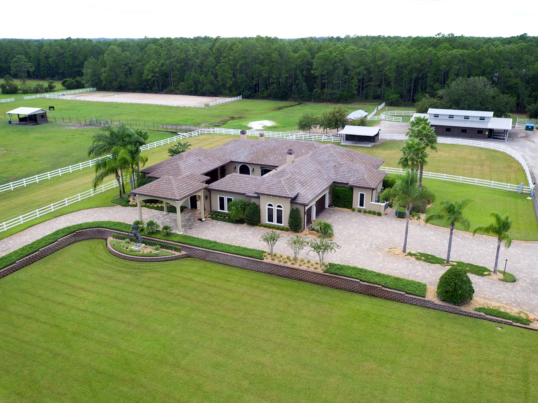 Casa para uma família para Venda às NEW SMYRNA BEACH,FLORIDA 330 Spring Forest Dr New Smyrna Beach, Florida, 32168 Estados Unidos