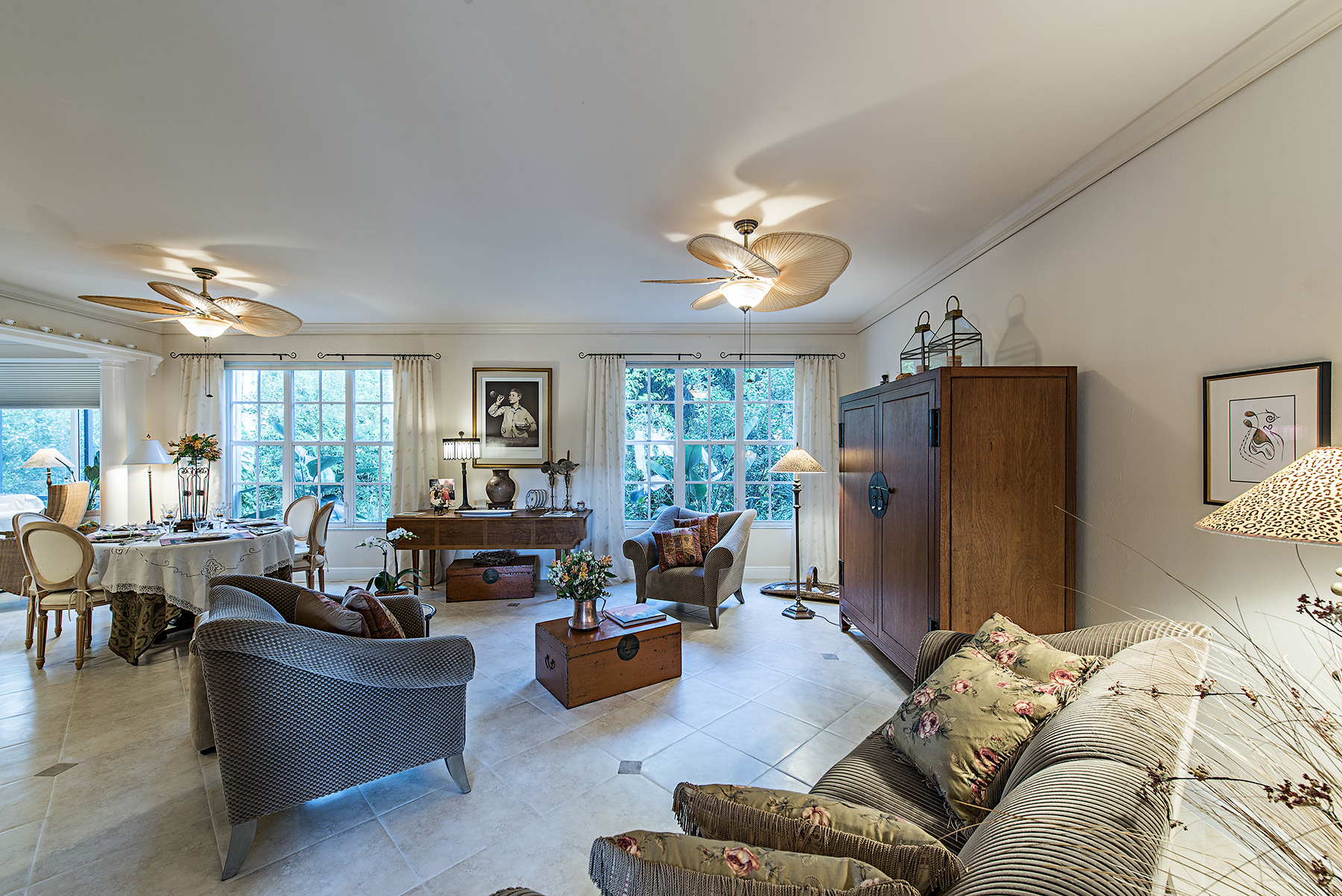 Condominio por un Venta en PELICAN BAY - SAN MARINO 6865 San Marino Dr 305C Naples, Florida, 34108 Estados Unidos