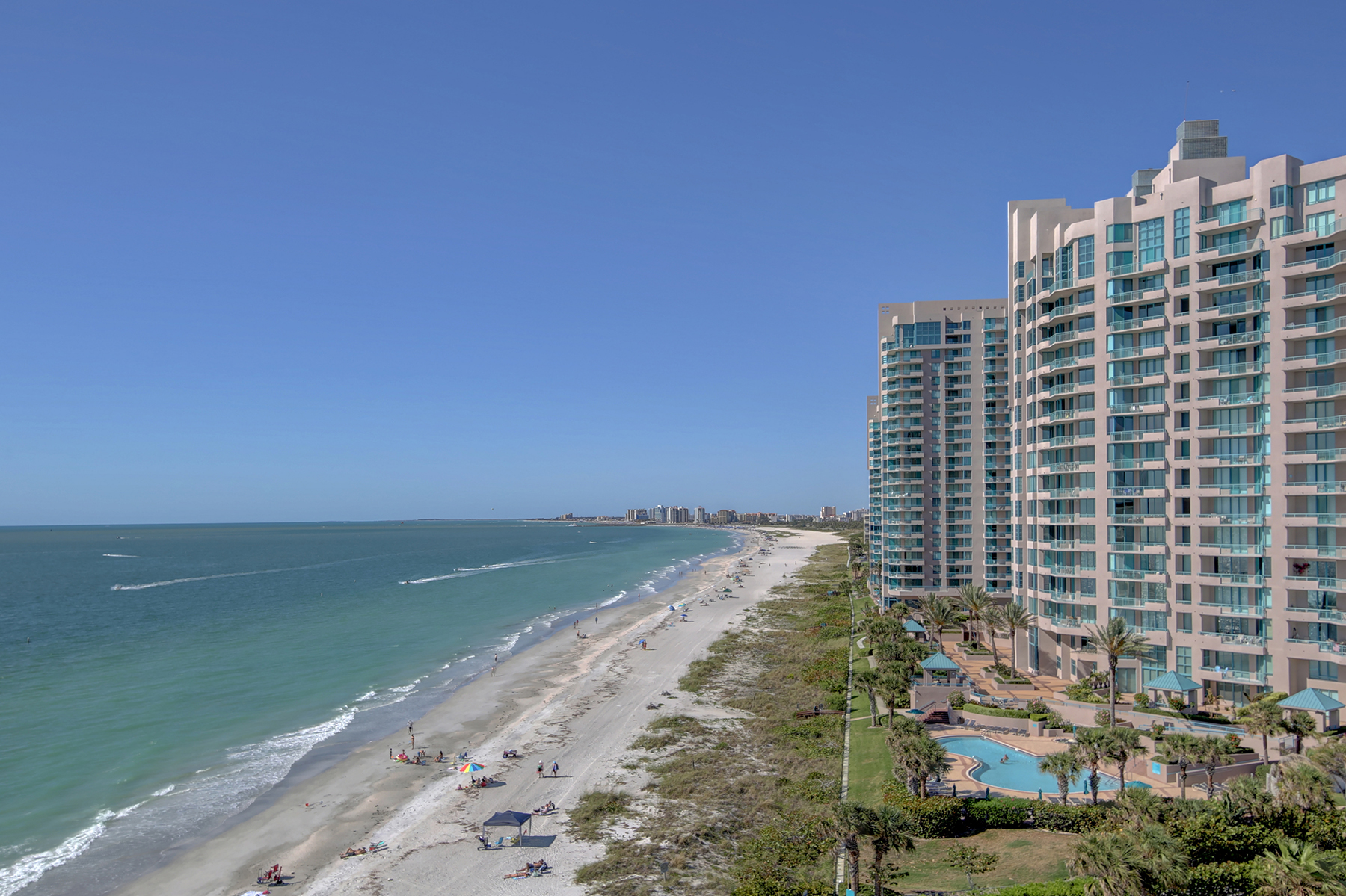 Piso por un Venta en CLEARWATER BEACH 1586 Gulf Blvd PH Clearwater Beach, Florida, 33767 Estados Unidos