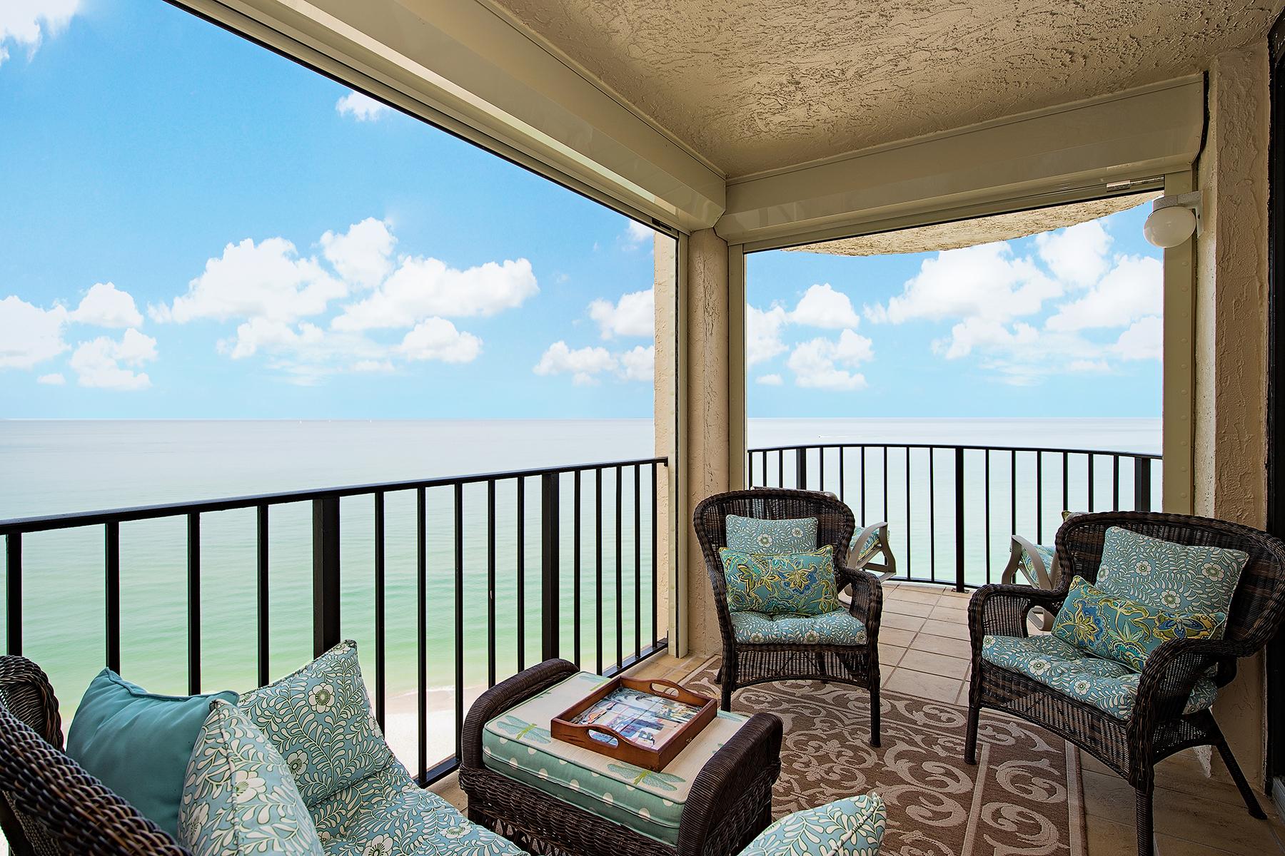 Copropriété pour l Vente à MOORINGS - LUASANNE 3215 Gulf Shore Blvd N 806N Naples, Florida, 34103 États-Unis