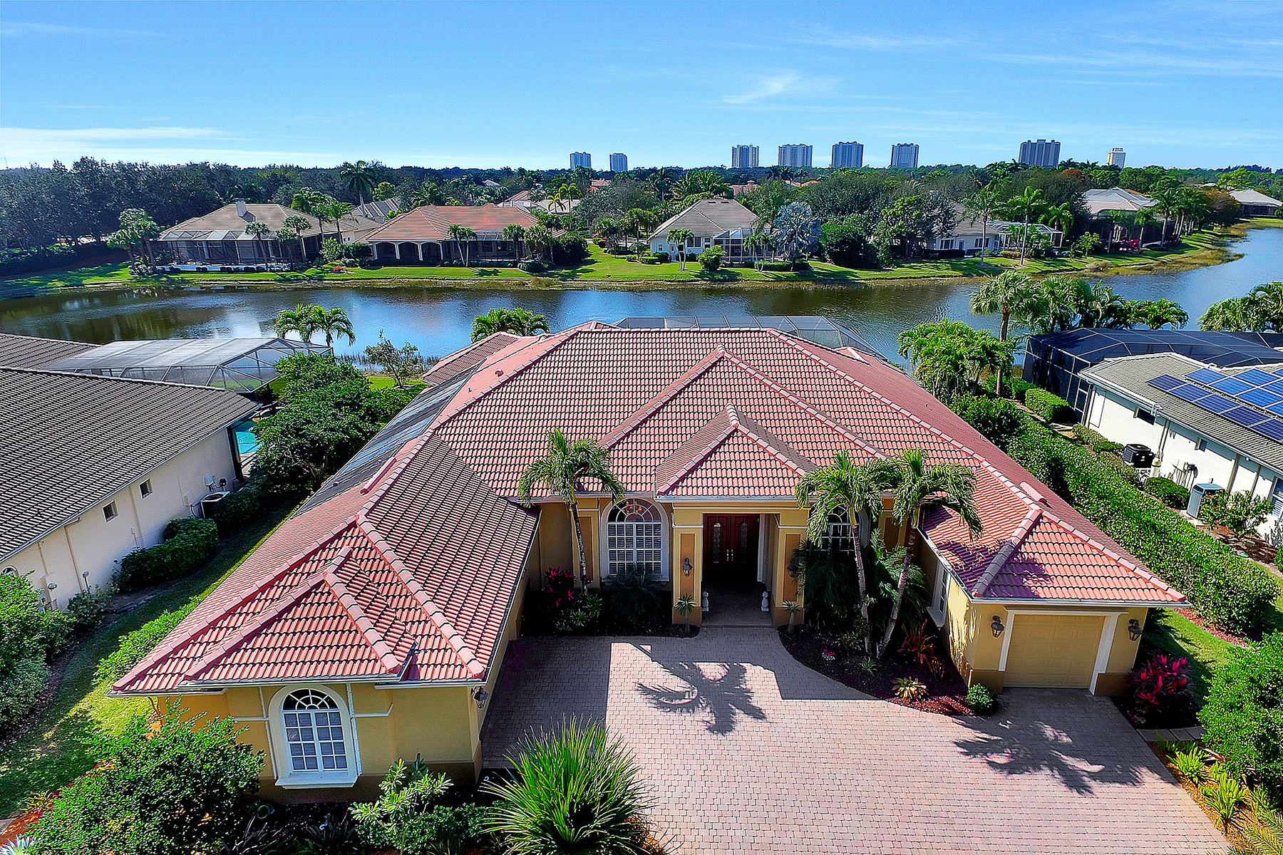 Single Family Home for Sale at PELICAN LANDING - WATERSIDE 23660 Peppermill Ct Estero, Florida, 34134 United States