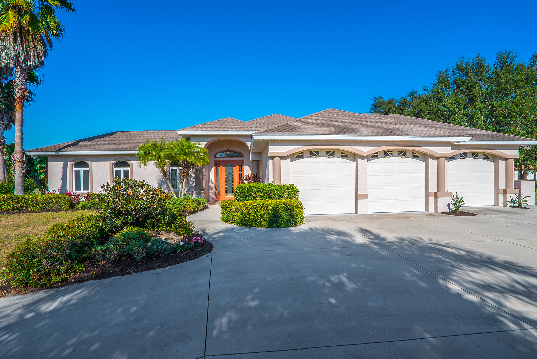 Single Family Home for Sale at MISSION VALLEY ESTATES 799 Capistrano Dr Nokomis, Florida, 34275 United States