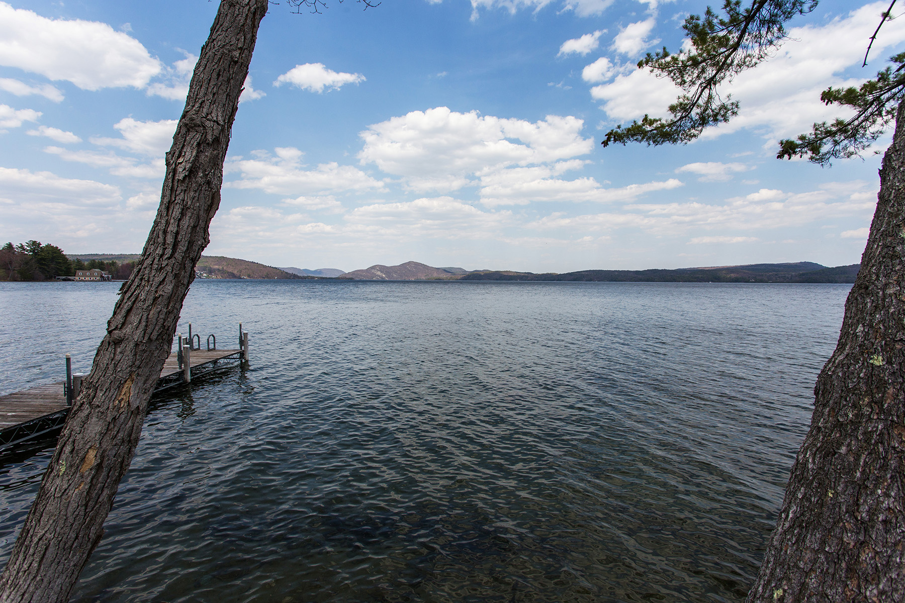 Additional photo for property listing at Waterfront Cottage on Lake George 39  Pine Cove Rd Hague, Нью-Йорк 12836 Соединенные Штаты