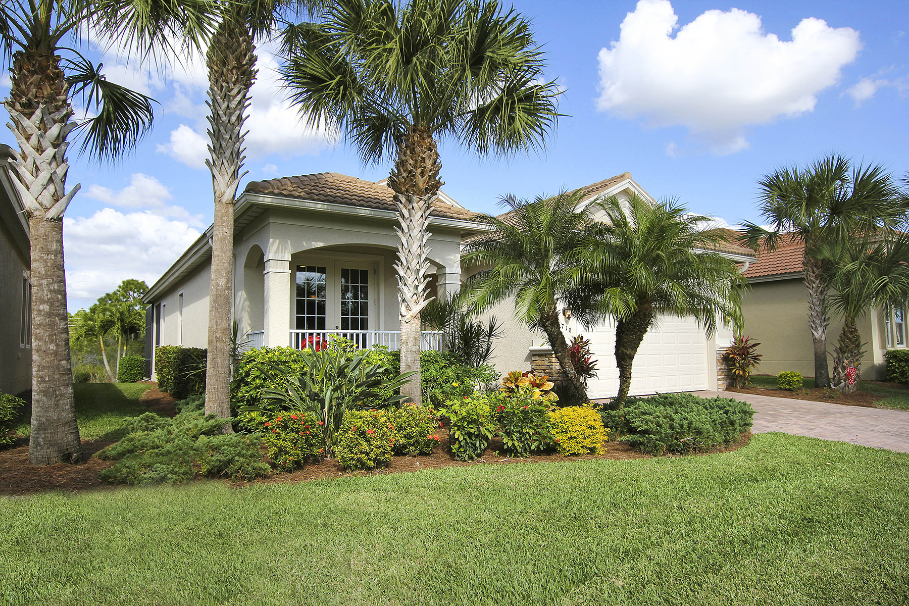 Single Family Home for Sale at EMERSON SQUARE 5718 Calmar Breeze Ln Fort Myers, Florida, 33908 United States