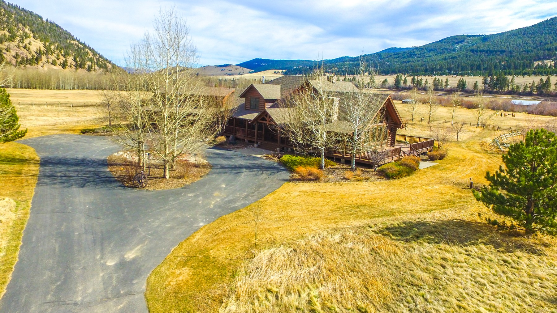 Additional photo for property listing at 10000 Prickly Pear Road 10000  Little Prickly Pear Rd Canyon Creek, Montana 59633 United States