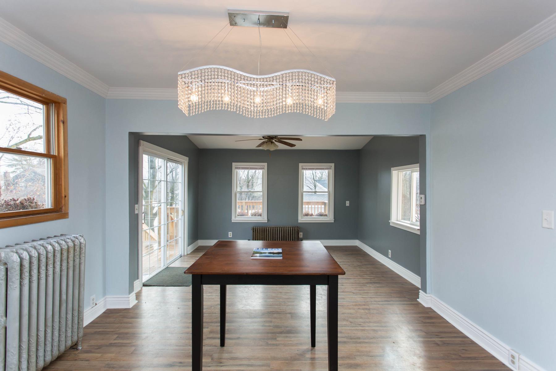 Einfamilienhaus für Verkauf beim Updated 2 Story Home in Saratoga Springs 88 Catherine St Saratoga Springs, New York, 12866 Vereinigte Staaten