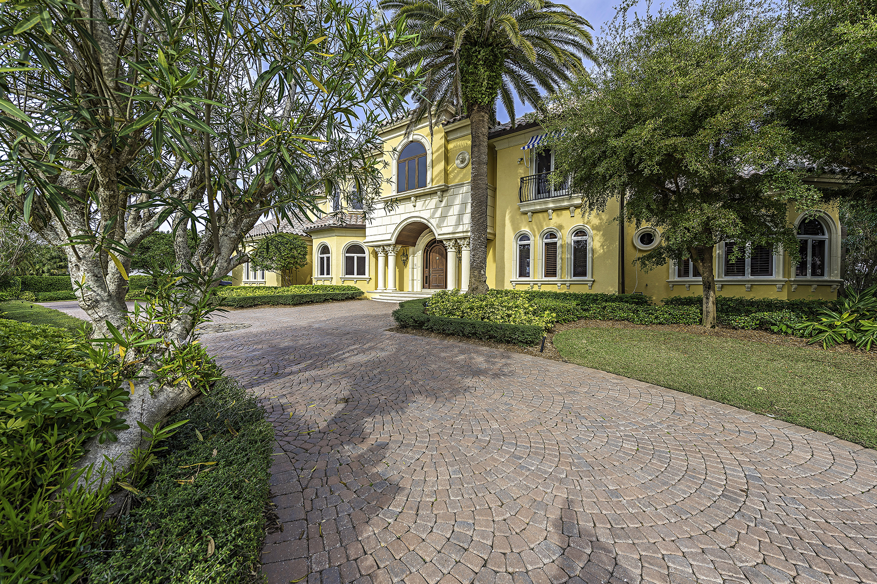 Single Family Home for Sale at PORT ROYAL 3255 Rum Row, Naples, Florida 34102 United States