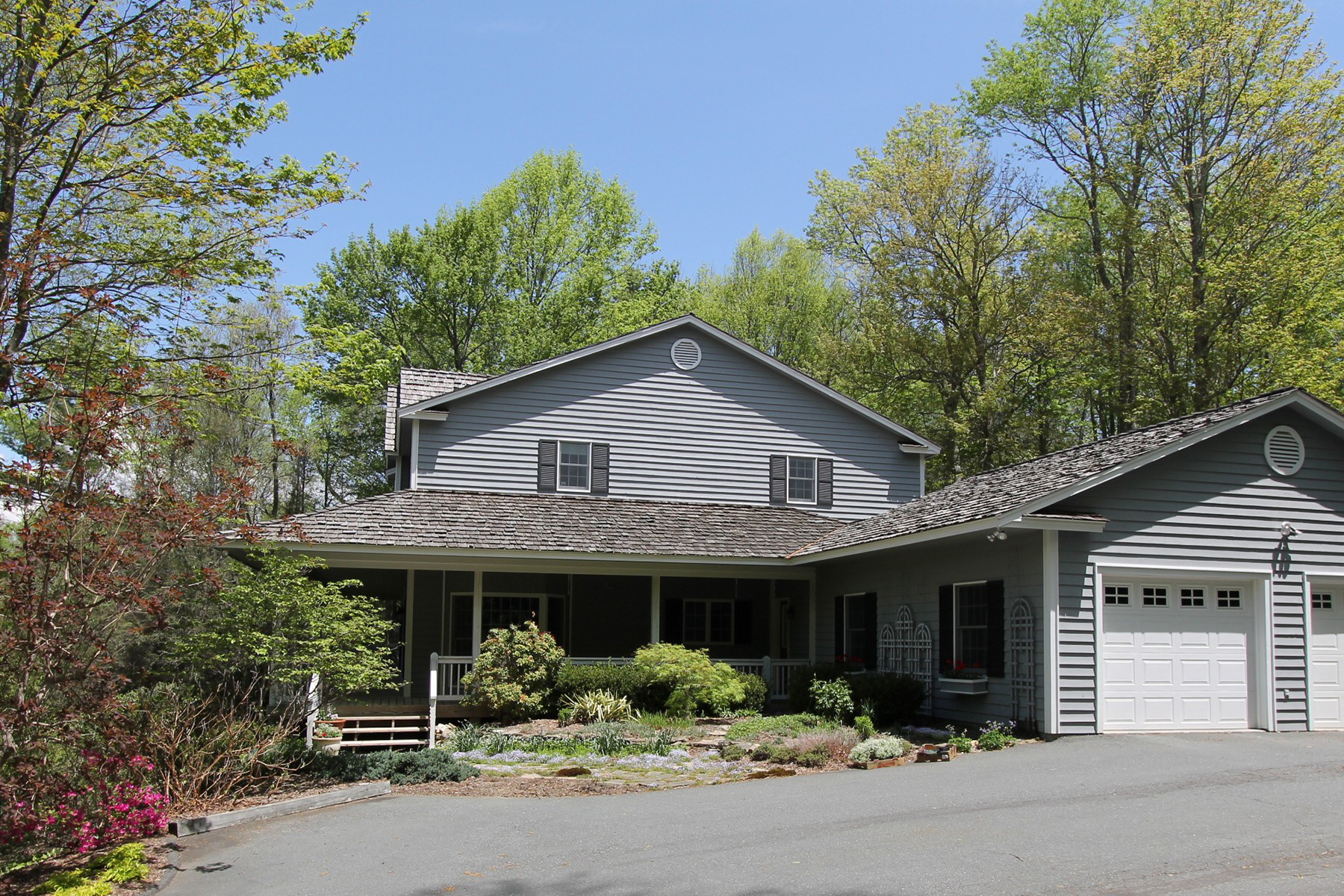 Single Family Home for Sale at BLOWING ROCK - HILLWINDS ESTATES 154 High Ridge Lane, Blowing Rock, North Carolina 28605 United States