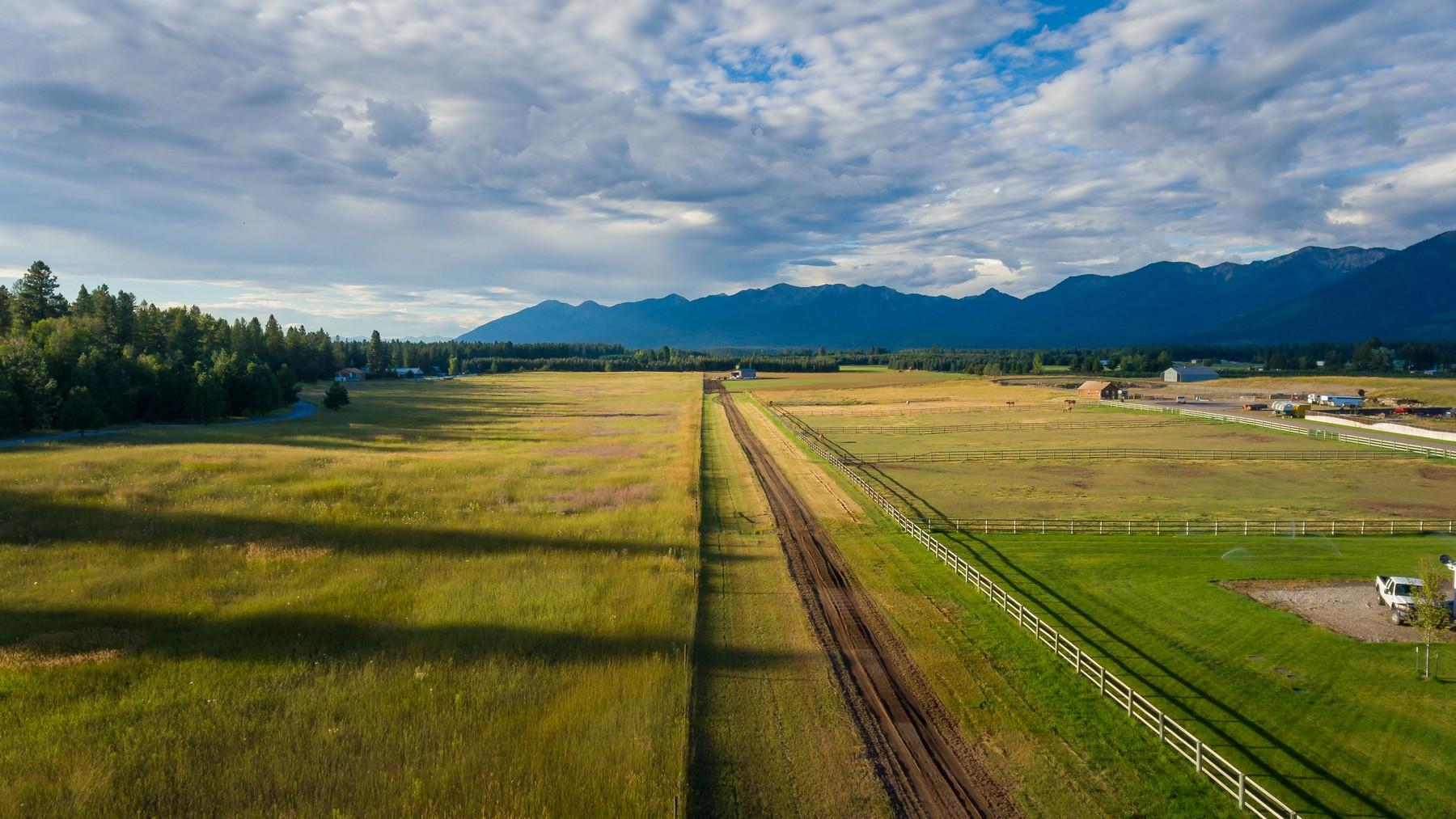 Additional photo for property listing at 201 Hill Rd , Bigfork, MT 59911 201  Hill Rd Bigfork, Montana 59911 United States