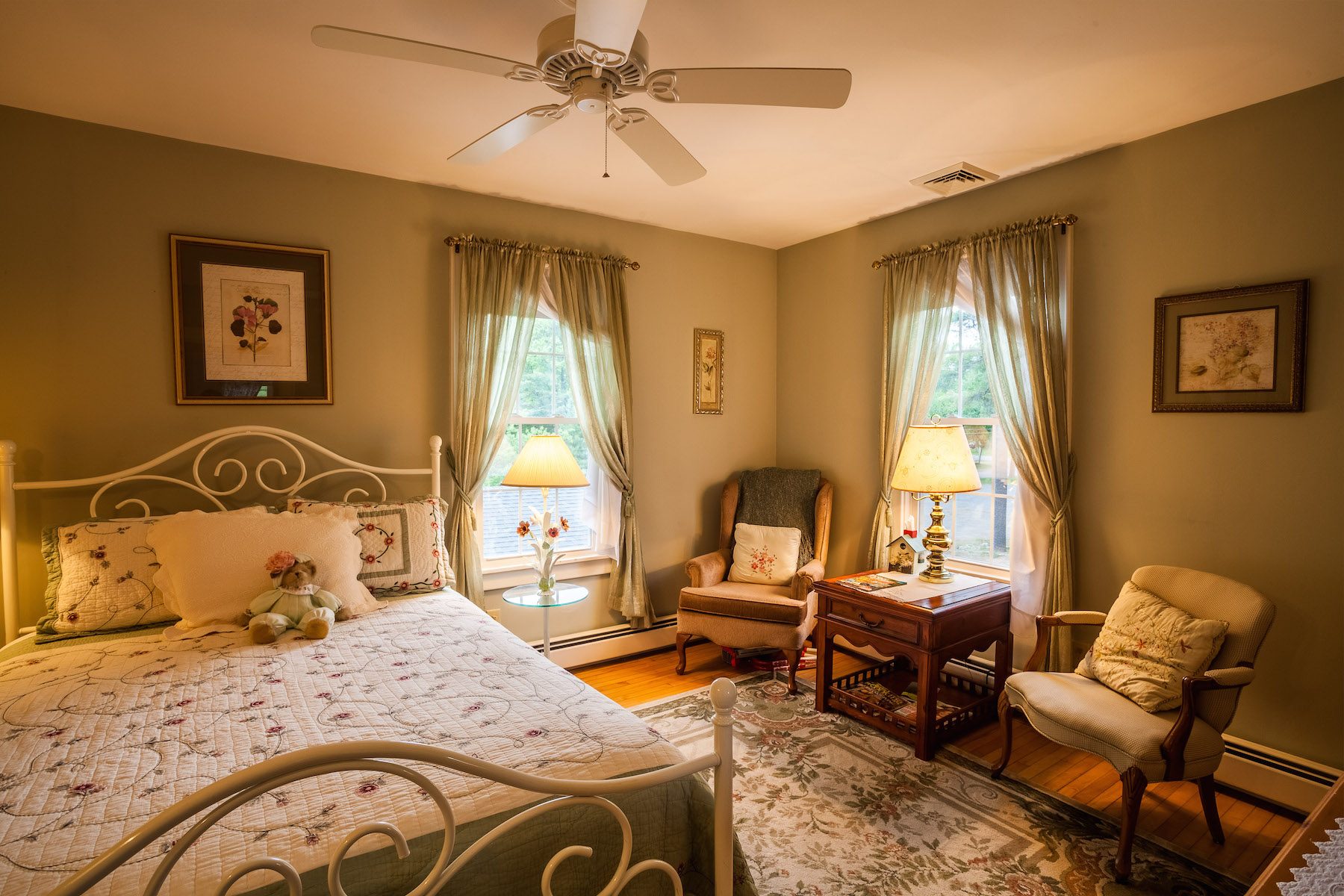 Additional photo for property listing at White House Inn 2945  New York 28 旧福格, 纽约州 13420 美国
