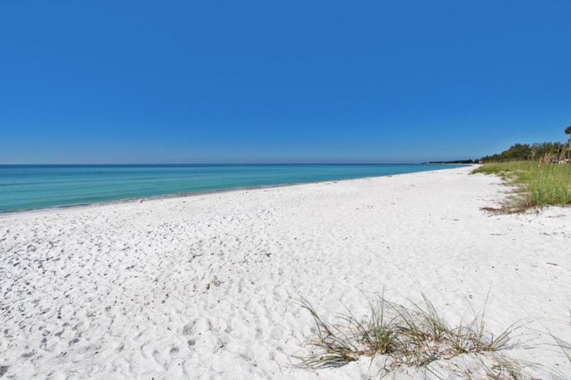 Moradia para Venda às LONGBOAT KEY 3020 Gulf Of Mexico Dr 2 Longboat Key, Florida, 34228 Estados Unidos