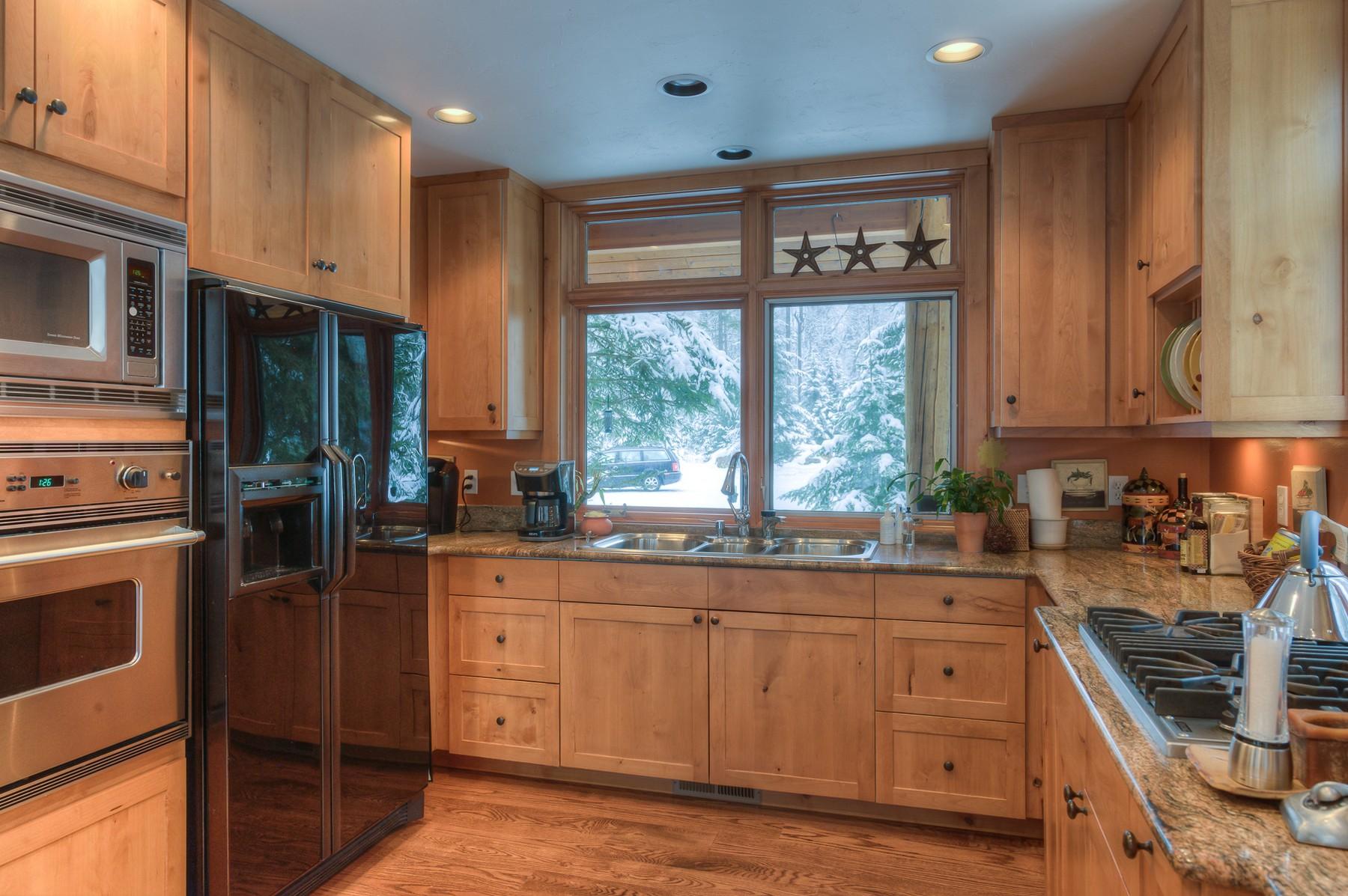 Additional photo for property listing at 400 N Ferndale Dr , Bigfork, MT 59911  Bigfork, Montana 59911 United States