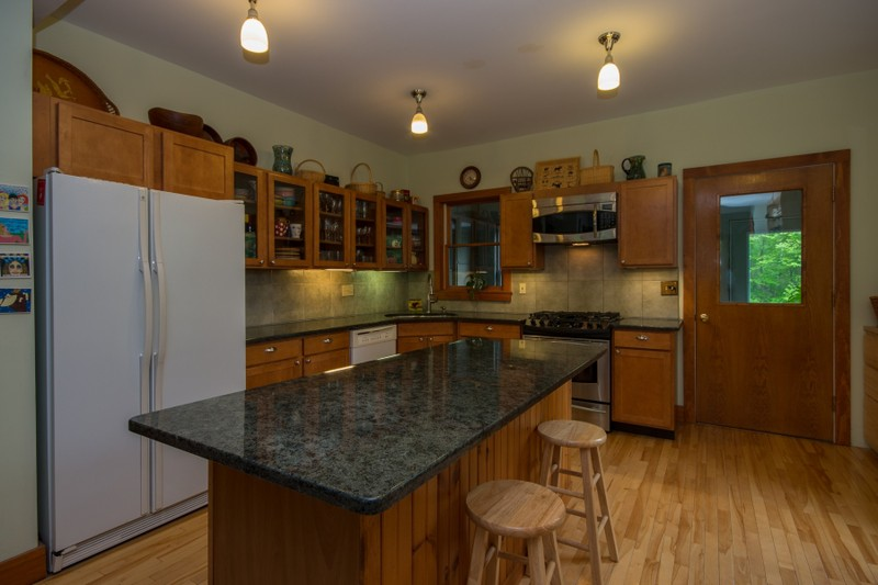 Additional photo for property listing at The Winter Cottage - Loon Lake 299  Blue Spruce Dr Loon Lake, Нью-Йорк 12989 Соединенные Штаты