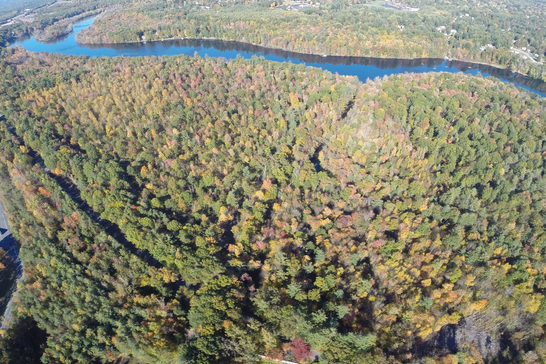 Additional photo for property listing at Big Boom 400  Big Boom Rd Queensbury, New York 12804 États-Unis