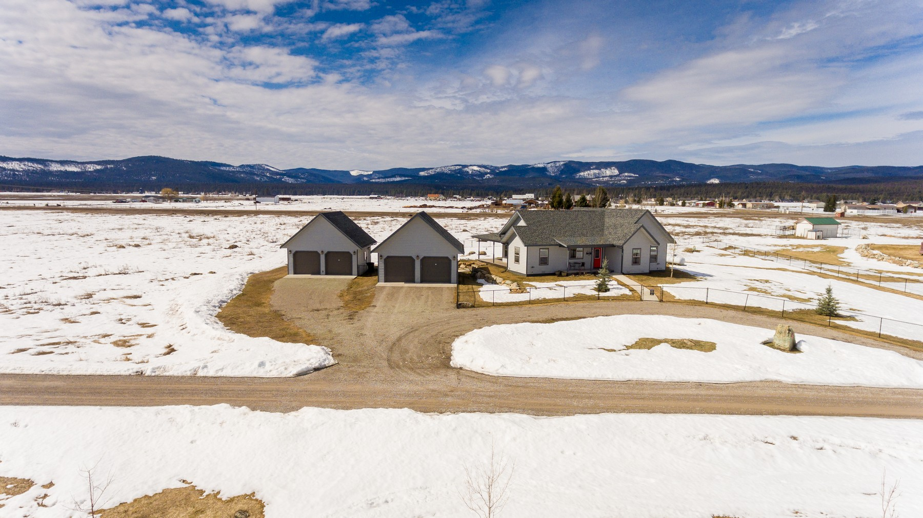 Additional photo for property listing at 469 Lost Farm Ln , Kalispell, MT 59901 469  Lost Farm Ln Kalispell, Montana 59901 United States
