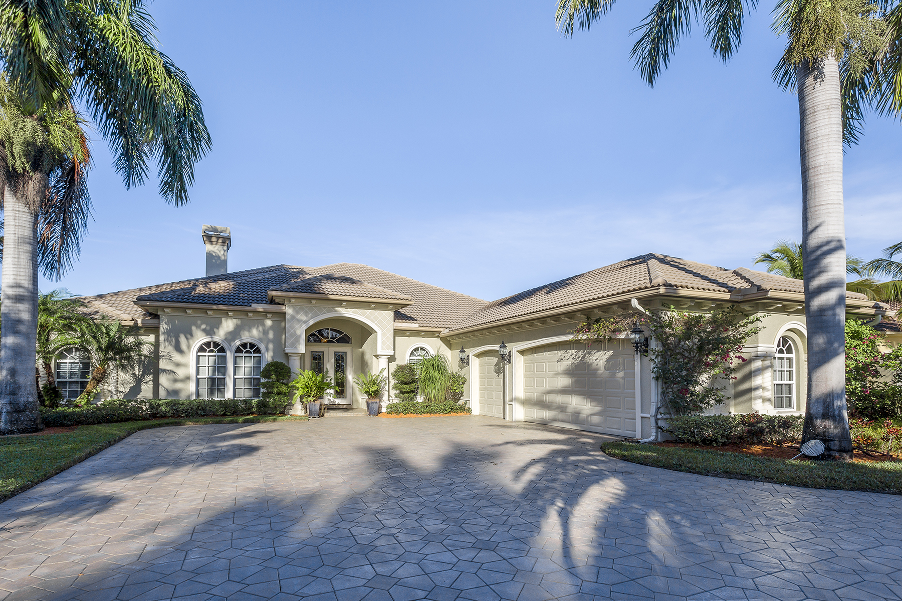 Single Family Home for Sale at LELY RESORT - CLASSICS PLANTATION ESTATES 7619 Palmer Ct Naples, Florida, 34113 United States