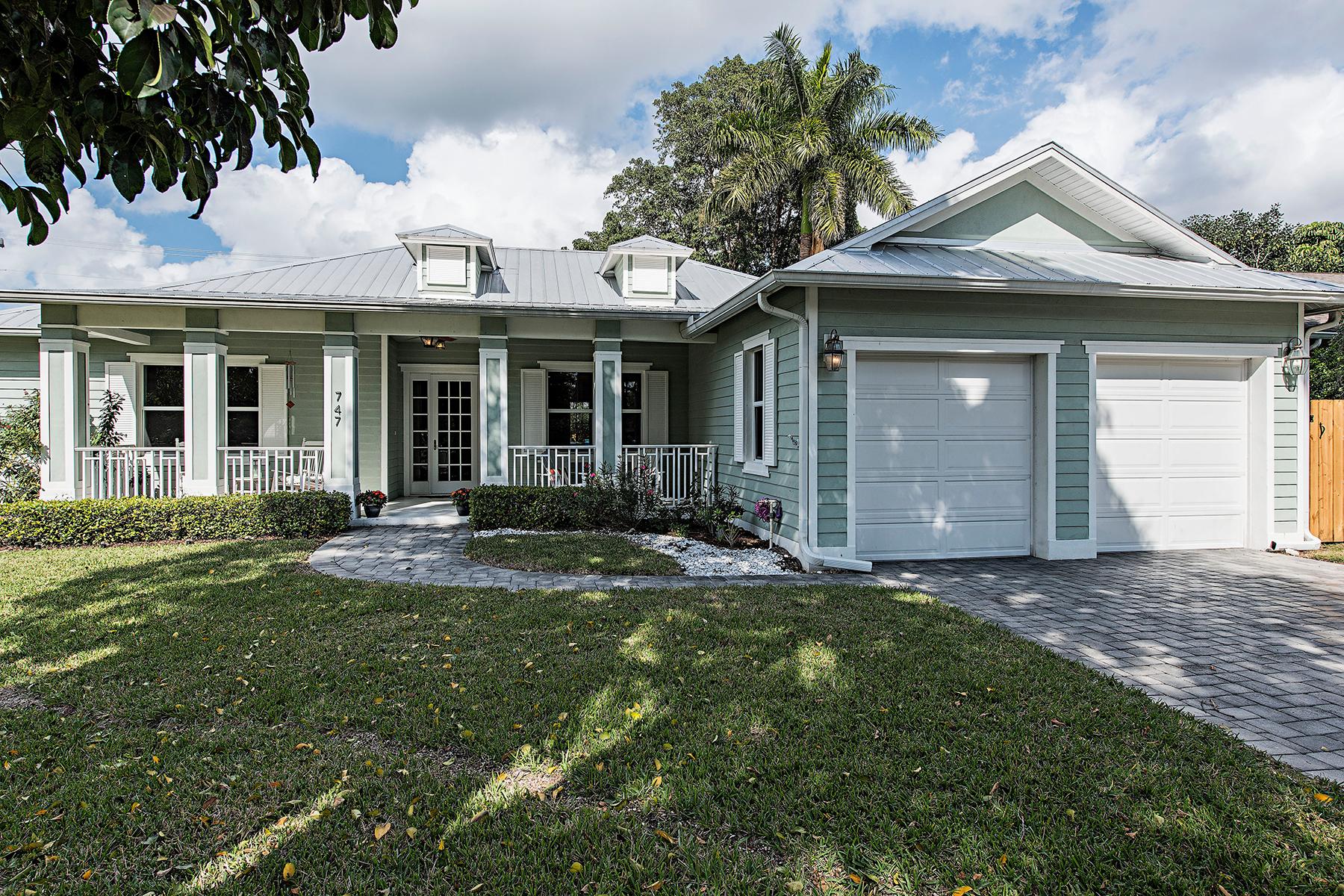 Casa Unifamiliar por un Venta en PARK SHORE - MYRTLE TERRACE 747 Myrtle Terr Naples, Florida, 34103 Estados Unidos