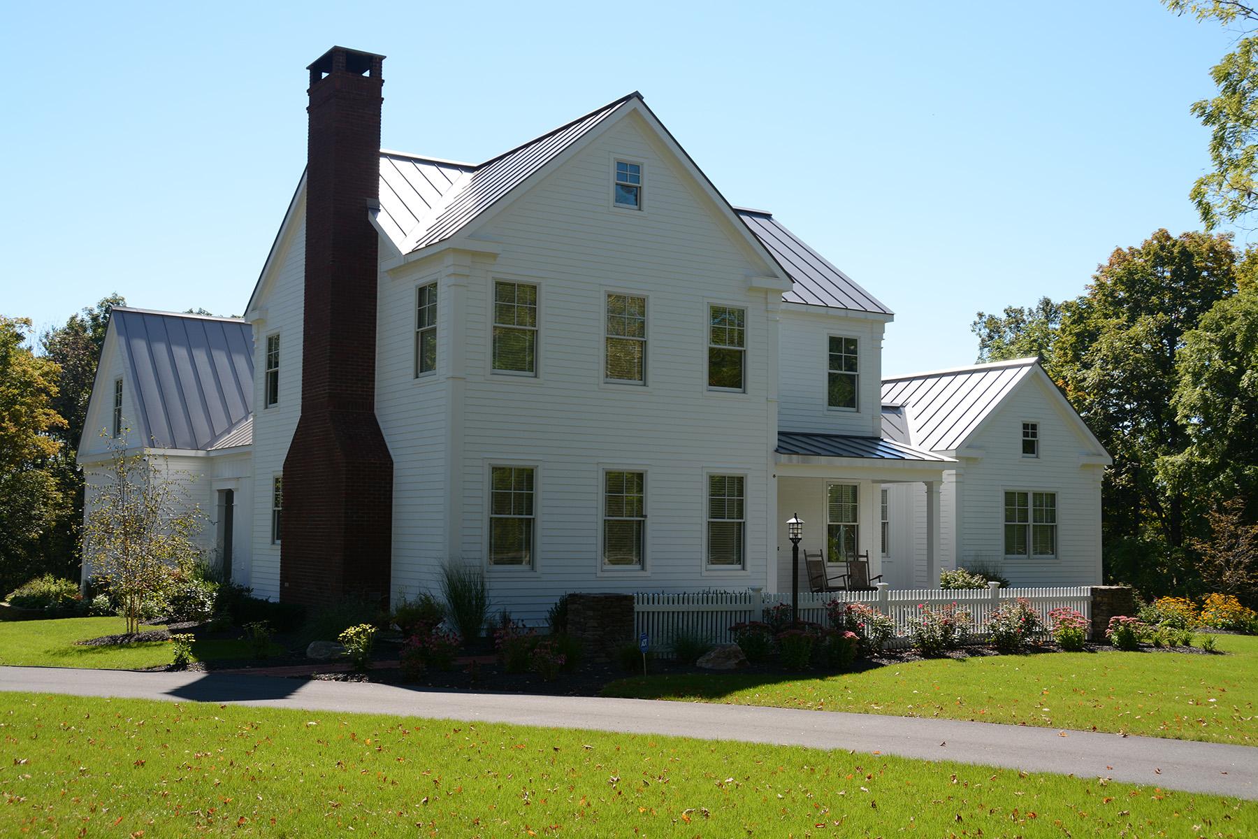 Additional photo for property listing at Award-Winning Iconic Saratoga Farmhouse 48  Nelson Av Ext Saratoga Springs, New York 12866 États-Unis