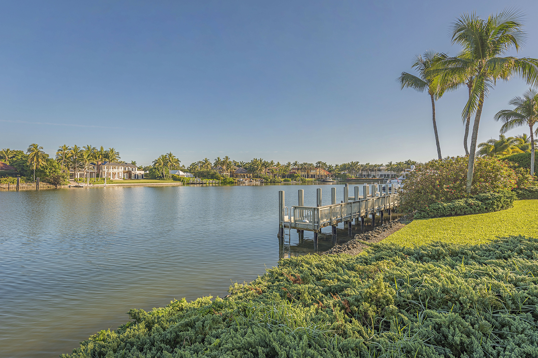 Additional photo for property listing at Naples 3035  Fort Charles Dr,  Naples, Florida 34102 United States