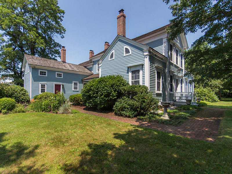 Additional photo for property listing at Federal Period Home 305  Bunker Hill Rd North Chatham, Нью-Йорк 12132 Соединенные Штаты