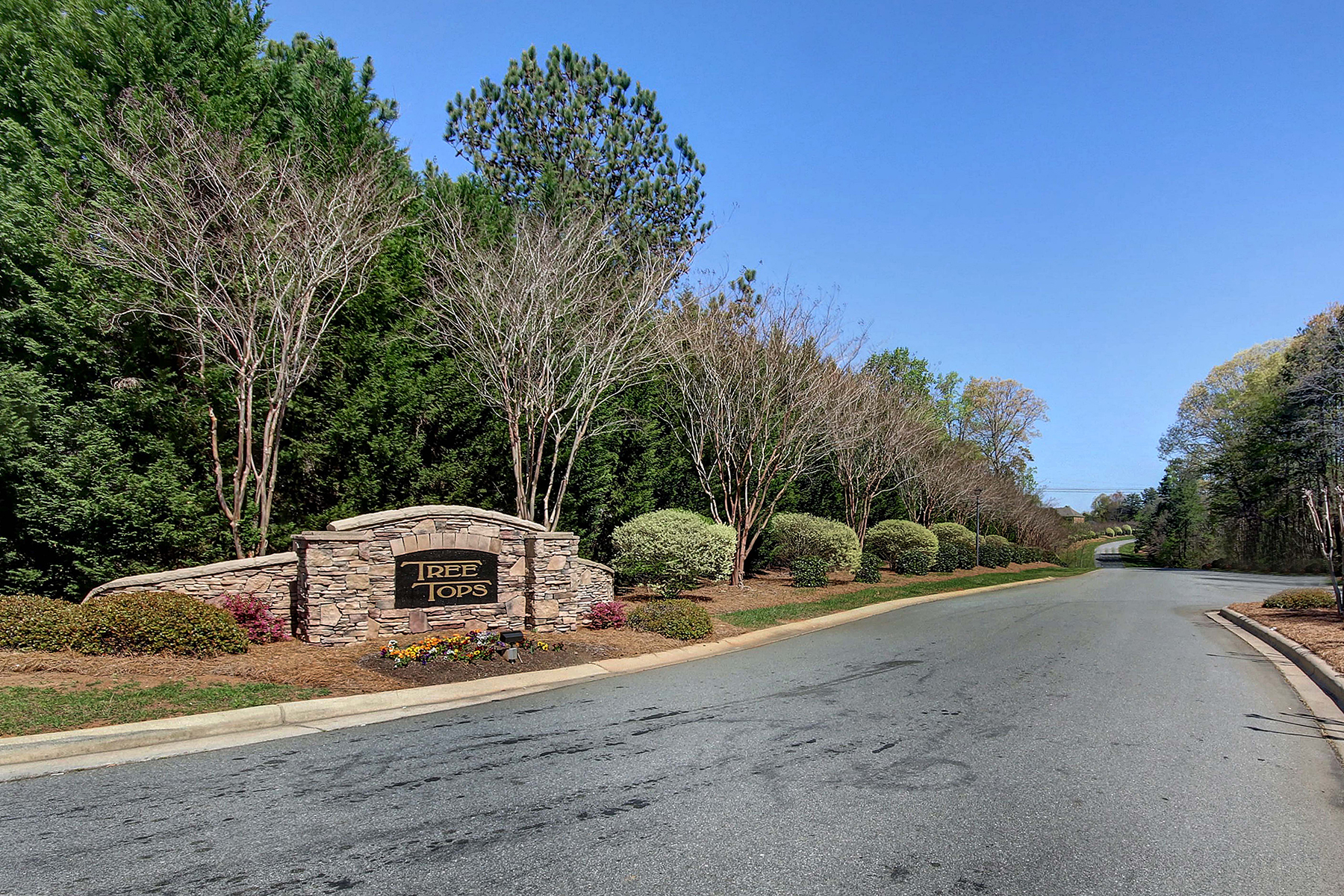 Land for Sale at COWANS FORD COUNTRY CLUB 106 Burning Ridge Dr, Stanley, North Carolina 28164 United States