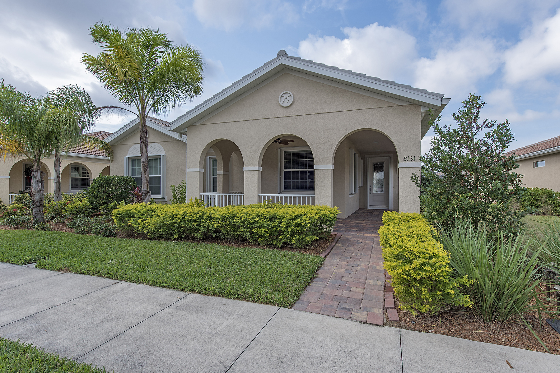 Vivienda unifamiliar por un Venta en VERONA WALK 8131 Sorrento Ln Naples, Florida, 34114 Estados Unidos
