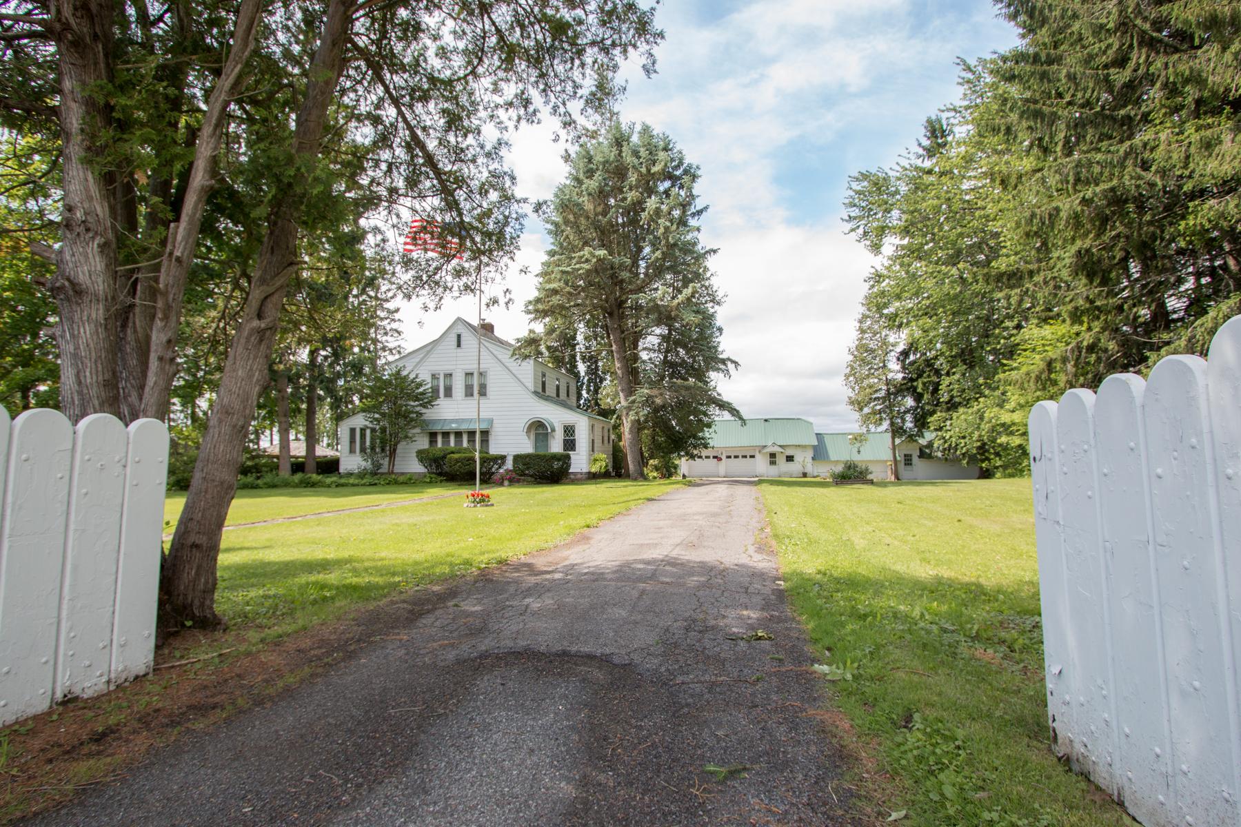 独户住宅 为 销售 在 Scenic Sprawling Country Estate with Views 2820 State Highway 67 Johnstown, 纽约州 12095 美国