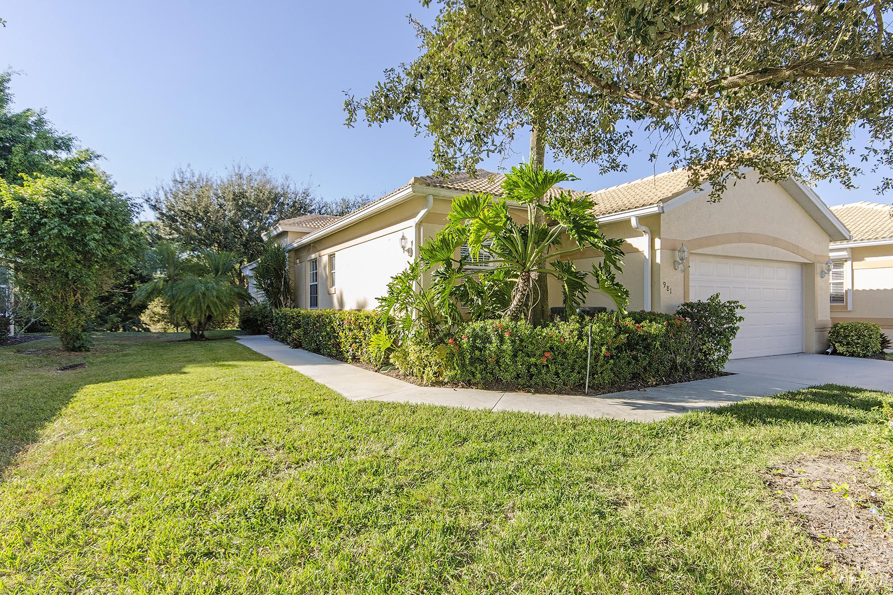 Maison en rangée pour l Vente à GLEN EAGLE - MONTCLAIR PARK VILLAS 981 Marblehead Dr Q-1 Naples, Florida, 34104 États-Unis