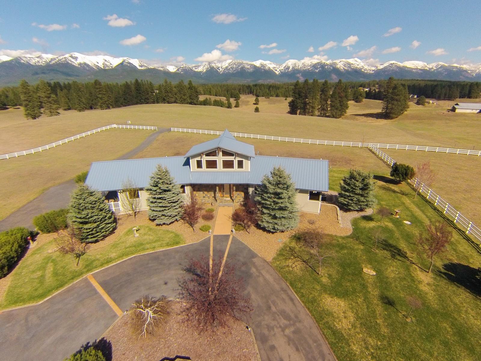 独户住宅 为 销售 在 377 Labrant Road 377 Labrant Rd 比格福克, 蒙大拿州, 59911 美国