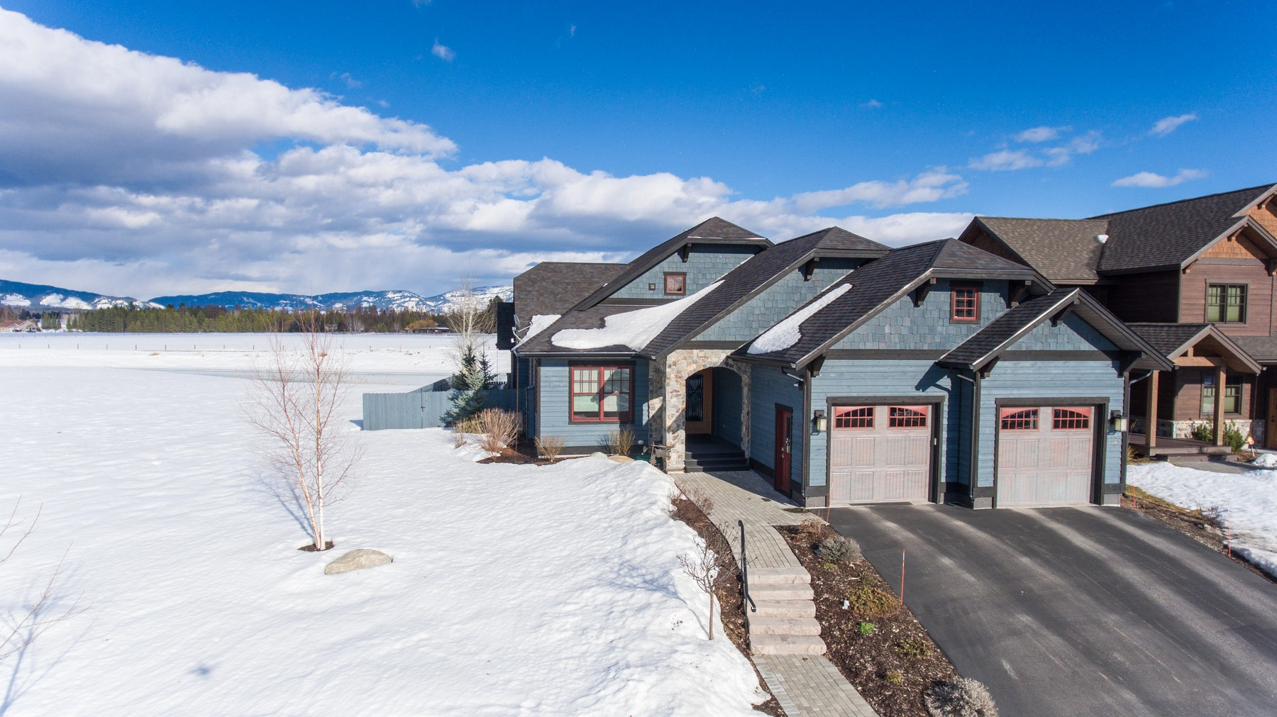 Additional photo for property listing at 4993 Flatwater Dr , Whitefish, MT 59937 4993  Flatwater Dr Whitefish, Montana 59937 United States