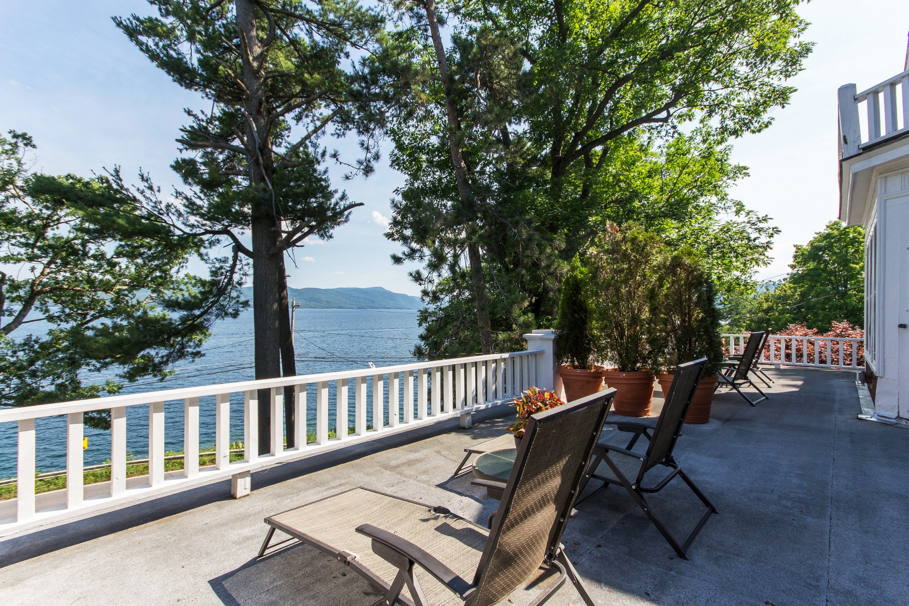 Additional photo for property listing at Ruah House on Lake George 9221  Lakeshore Dr Hague, Nueva York 12836 Estados Unidos