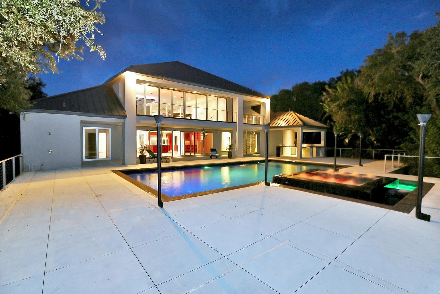 Casa para uma família para Venda às DAYTONA BEACH - PONCE INLET 4542 S Peninsula Dr Ponce Inlet, Florida, 32127 Estados Unidos
