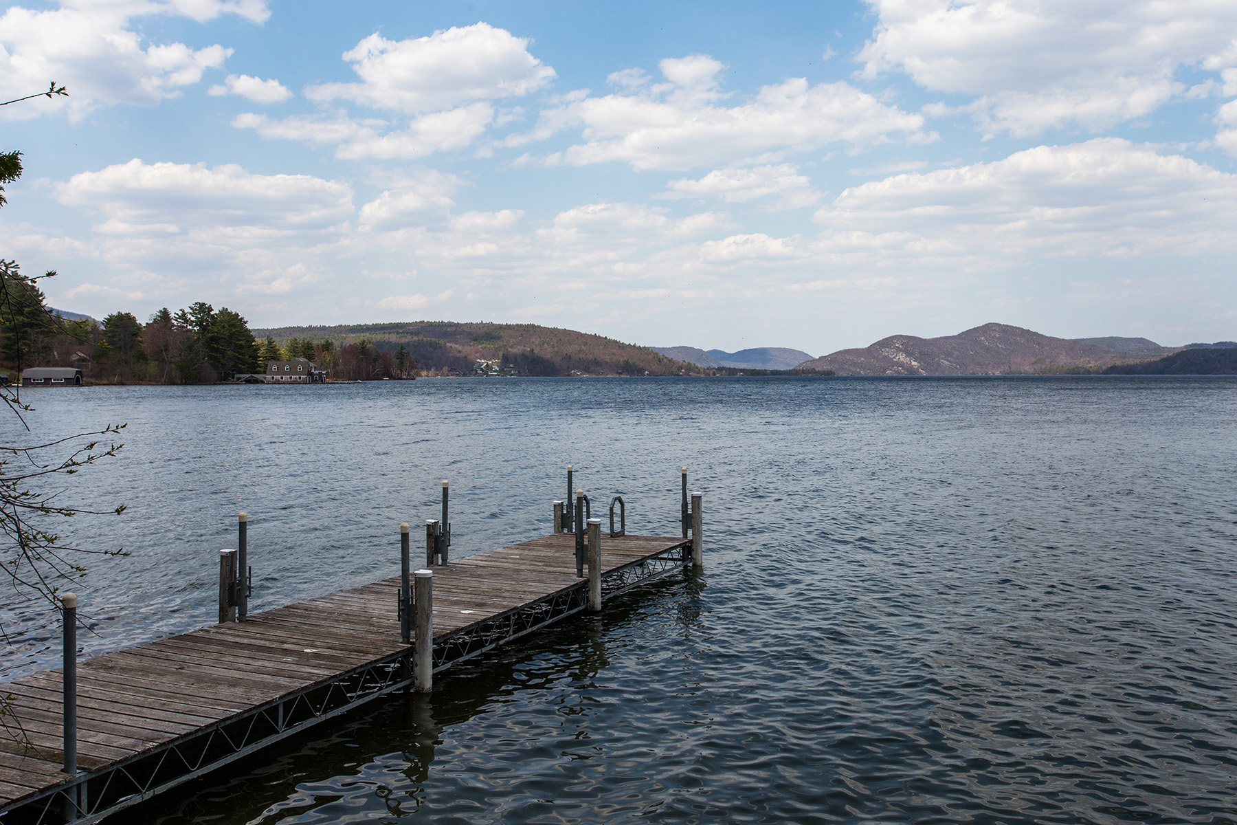 Additional photo for property listing at Waterfront Cottage on Lake George 39  Pine Cove Rd Hague, New York 12836 États-Unis