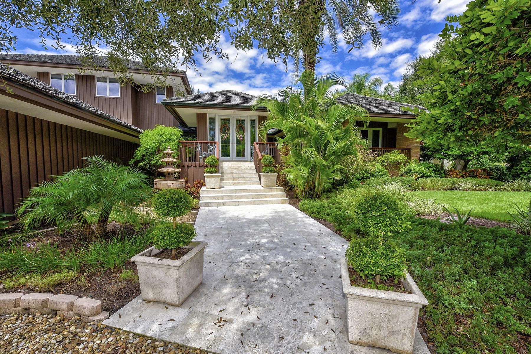 Casa para uma família para Venda às CASEY KEY ESTATES 1106 Casey Key Rd Nokomis, Florida, 34275 Estados Unidos