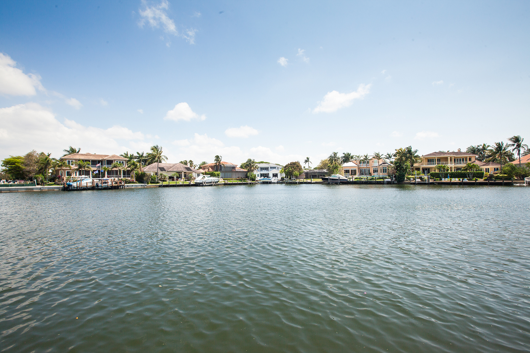 Additional photo for property listing at PARK SHORE 306  Neapolitan Way,  Naples, Florida 34103 United States