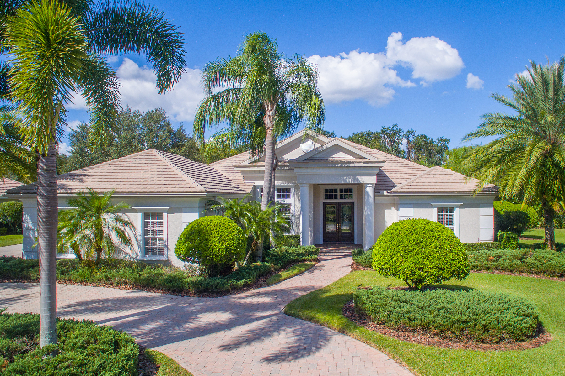 Single Family Home for Sale at LAKEWOOD RANCH COUNTRY CLUB 6911 Winners Cir Lakewood Ranch, Florida, 34202 United States