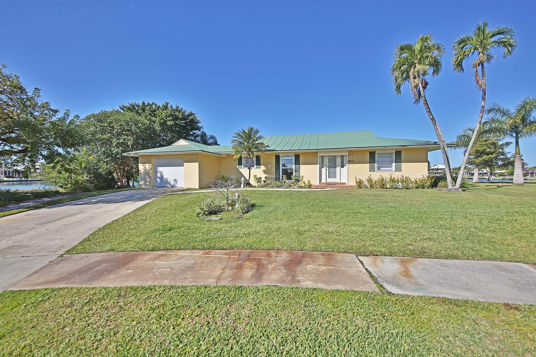 Villa per Vendita alle ore 1420 Firwood Ct , Marco Island, FL 34145 1420 Firwood Ct Marco Island, Florida, 34145 Stati Uniti