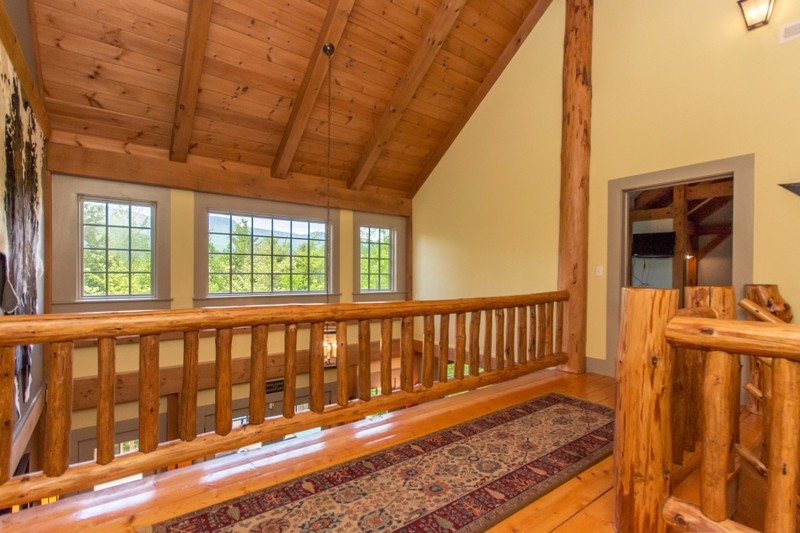 Additional photo for property listing at Traditional Pine Timber Framed Home 51  Mountain Path North Creek, Нью-Йорк 12853 Соединенные Штаты