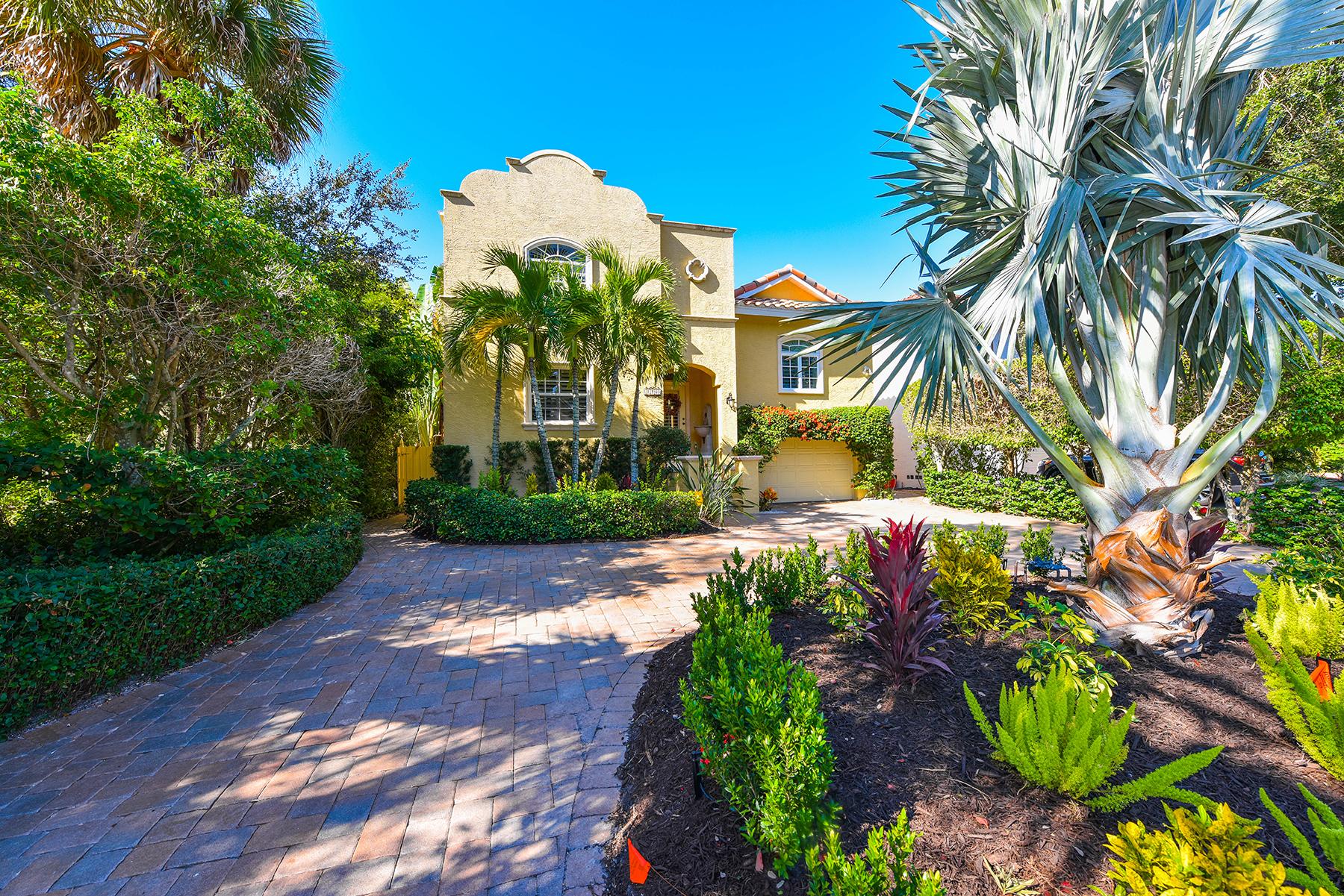 独户住宅 为 销售 在 SARASOTA BEACH 5440 Avenida Del Mare 萨拉索塔, 佛罗里达州, 34242 美国