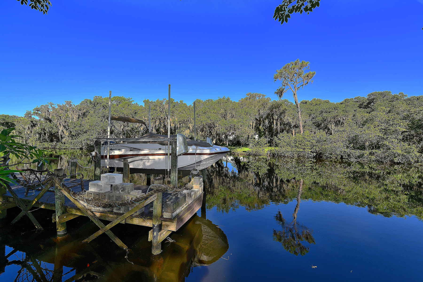 sales property at PHILLIPPI CREEK