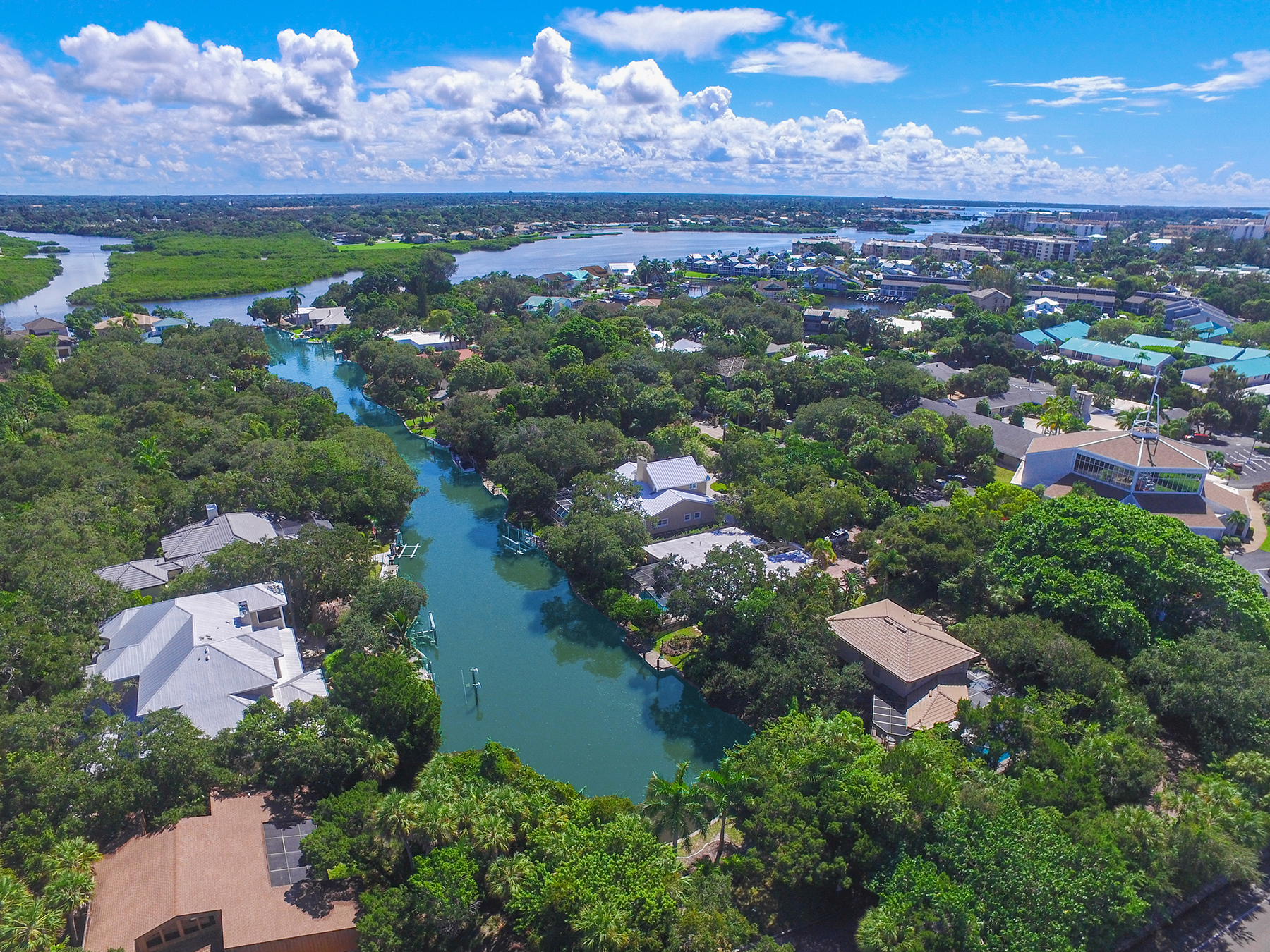 Single Family Home for Sale at SIESTA KEY 1211 Southport Dr Sarasota, Florida, 34242 United States