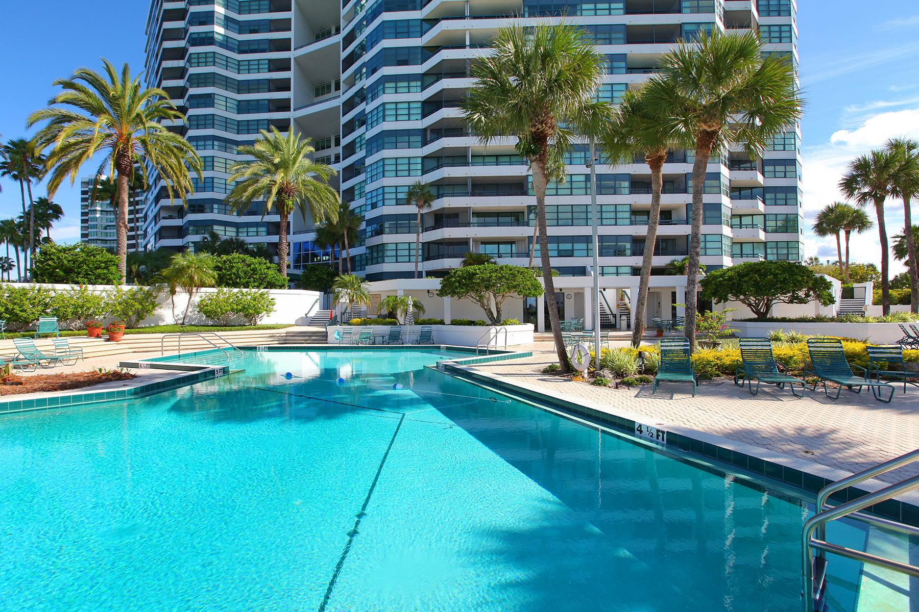 Condomínio para Venda às CONDO ON THE BAY 888 Blvd Of The Arts 1901, 1902, Sarasota, Florida, 34236 Estados Unidos