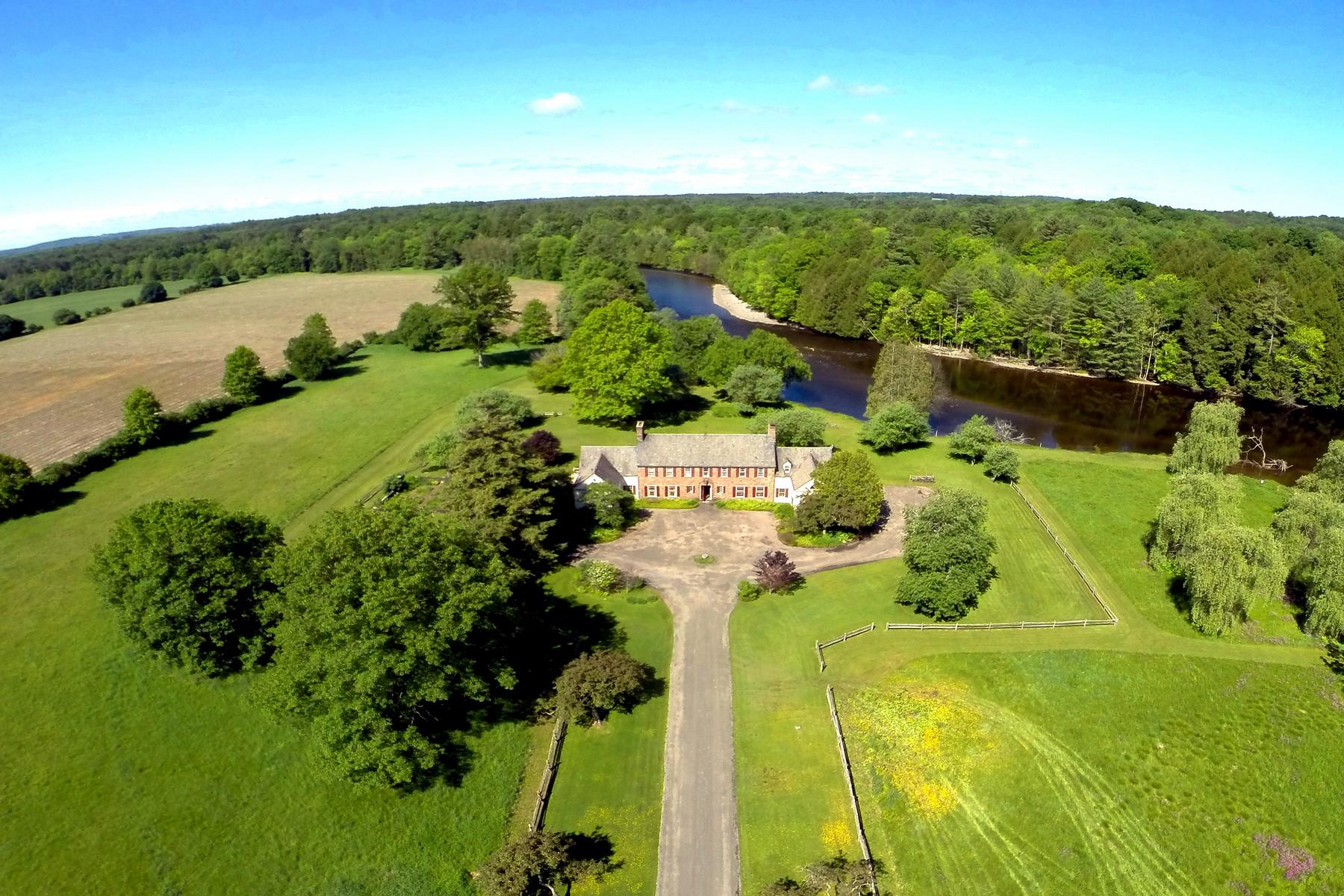 Casa Unifamiliar por un Venta en Country Manor Estate in Upstate New York 549 Partridge Hill Road Barneveld, Nueva York 13304 Estados Unidos