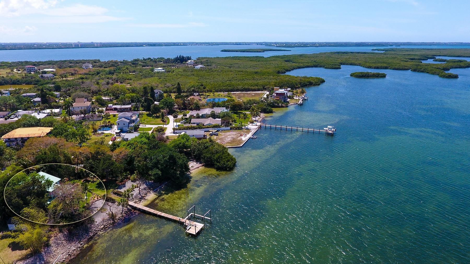 Частный односемейный дом для того Продажа на TERRA CEIA 70 Mound Pl Terra Ceia, Флорида, 34250 Соединенные Штаты