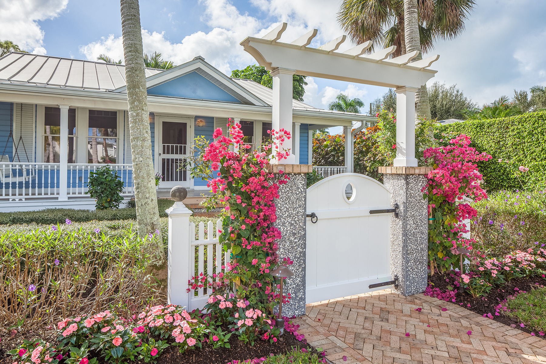 open-houses property at OLD NAPLES - BEACHWALK