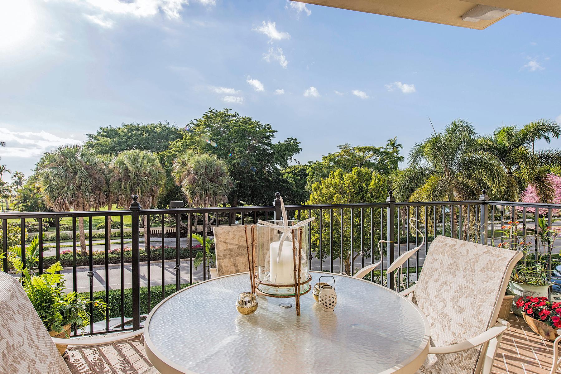 Nhà ở một gia đình vì Bán tại COQUINA SANDS - CHARLESTON SQUARE 1400 Gulfshore Blvd 306 Naples, Florida, 34103 Hoa Kỳ