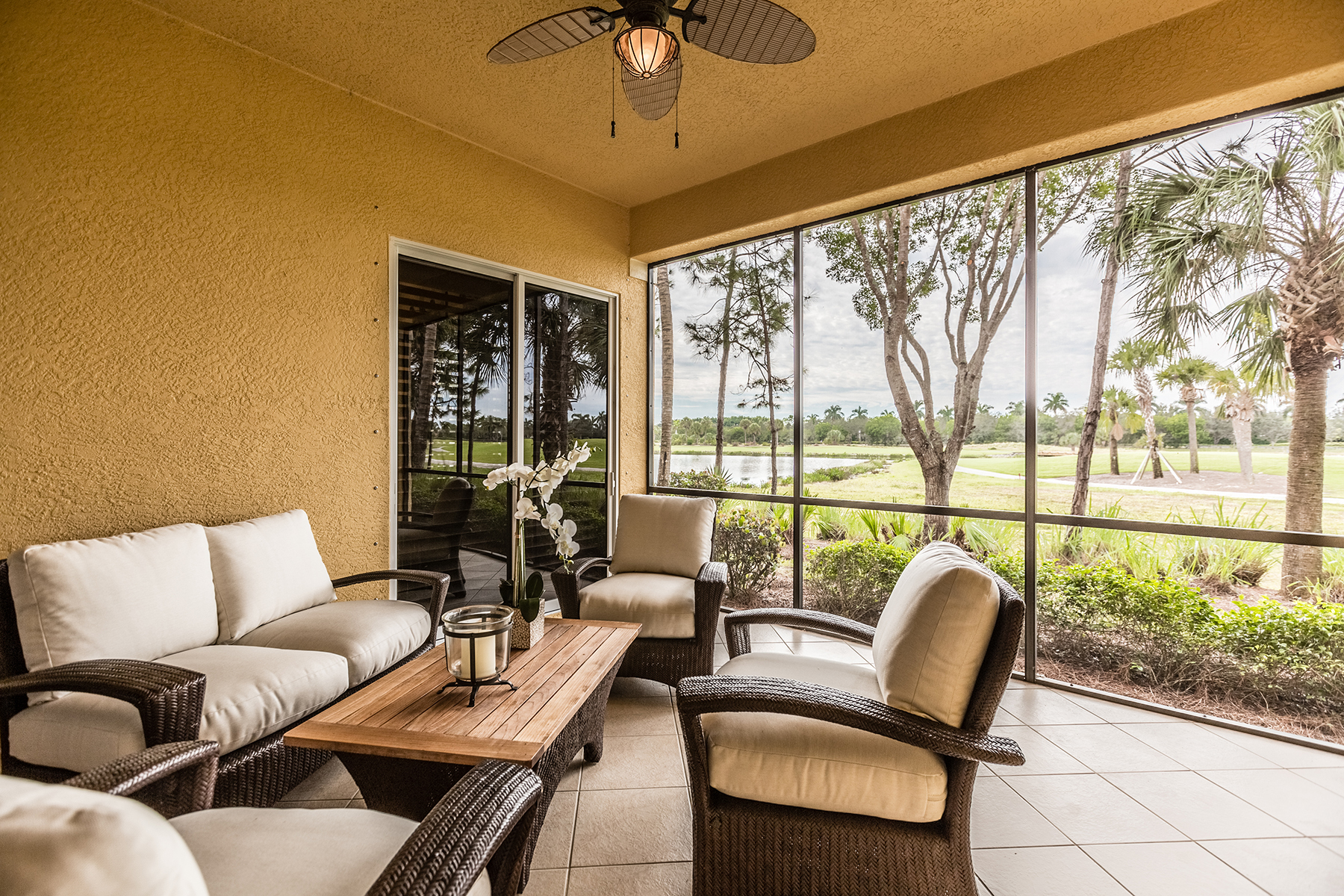 Кондоминиум для того Продажа на FIDDLER'S CREEK - CASCADA 9058 Cascada Way 102 Naples, Флорида, 34114 Соединенные Штаты
