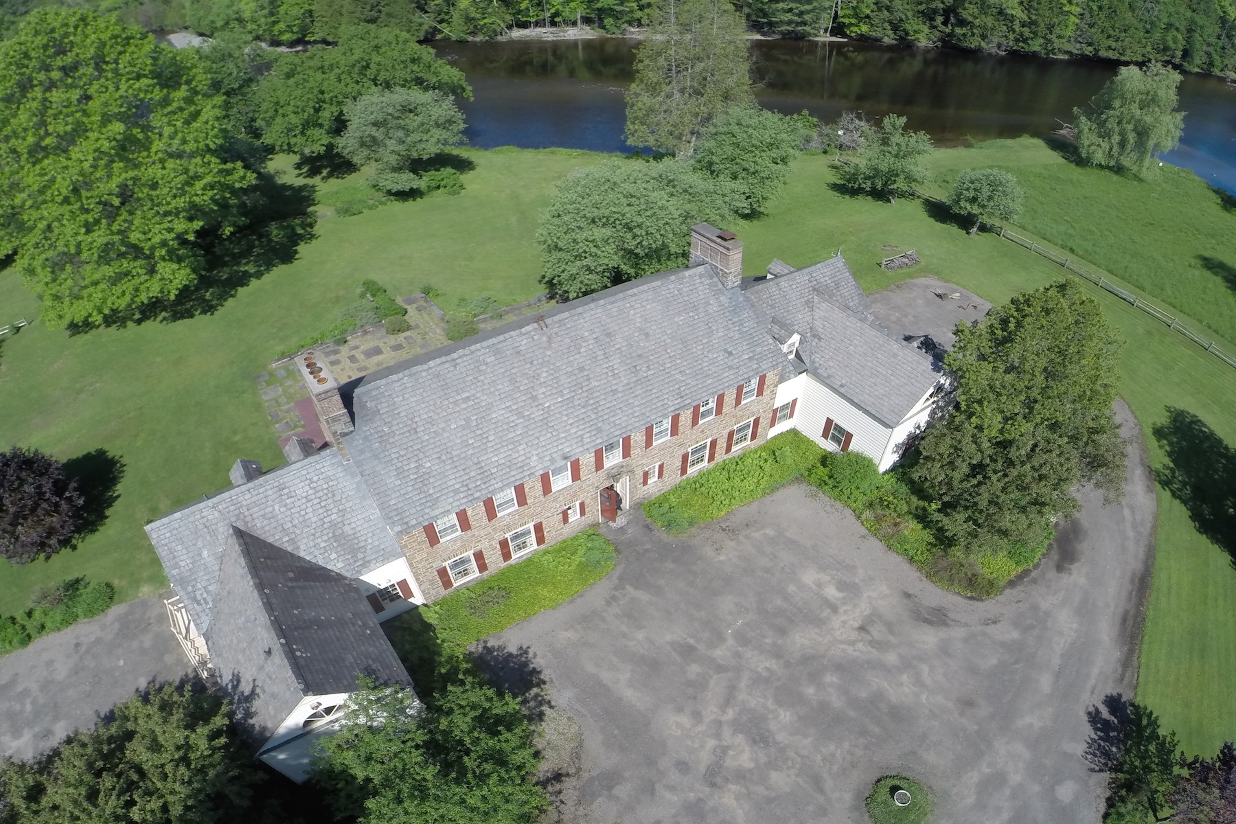 Additional photo for property listing at Country Manor Estate in Upstate New York 549  Partridge Hill Road Barneveld, New York 13304 United States